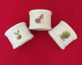 "3 napkin rings decorated porcelain theme ""Apple"""