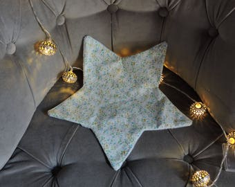 Flat star shaped blanket
