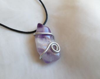 Amethyst stone pendant 5cm and cord