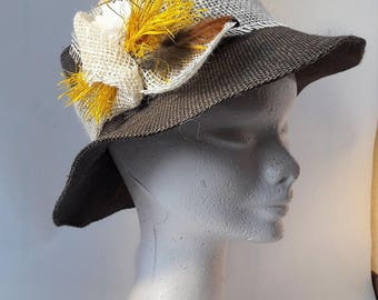 Hat taupe oval and yellow bundle