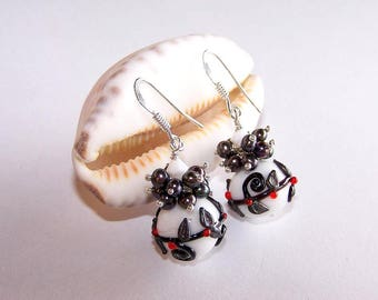 """black and white"" glass post earring"