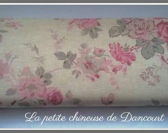 From Mas D'ousvan Helelna red chambray fabrics