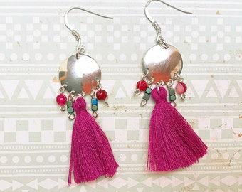 Earrings in silver and fuchsia tassel