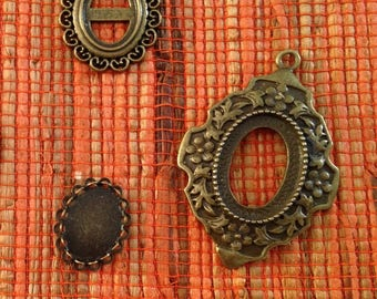 unique set of 3 holders cabochons, various sizes, color bronze