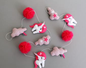 Garland pink unicorns
