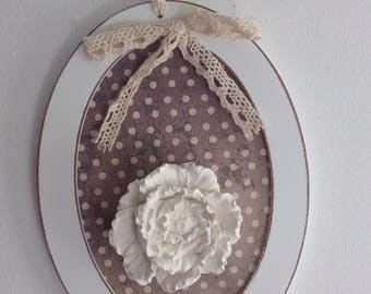 Decorative shabby chic oval frame