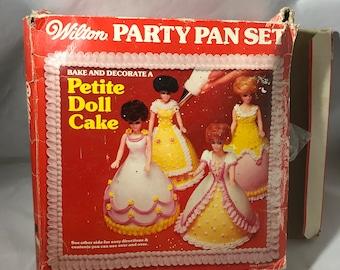 Wilton Petite Doll Party Pan Bake Decorate Set 1977