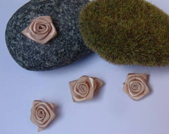 caramel rose satin - 2.50 cm in diameter