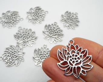 3x Flower Cutout Charm/Pendent Silver Coloured 31mm x 27mm
