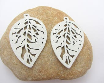 The lot of two wooden beads leaf,wooden beads,white beads,white wooden beads,jewelry making,earrings making