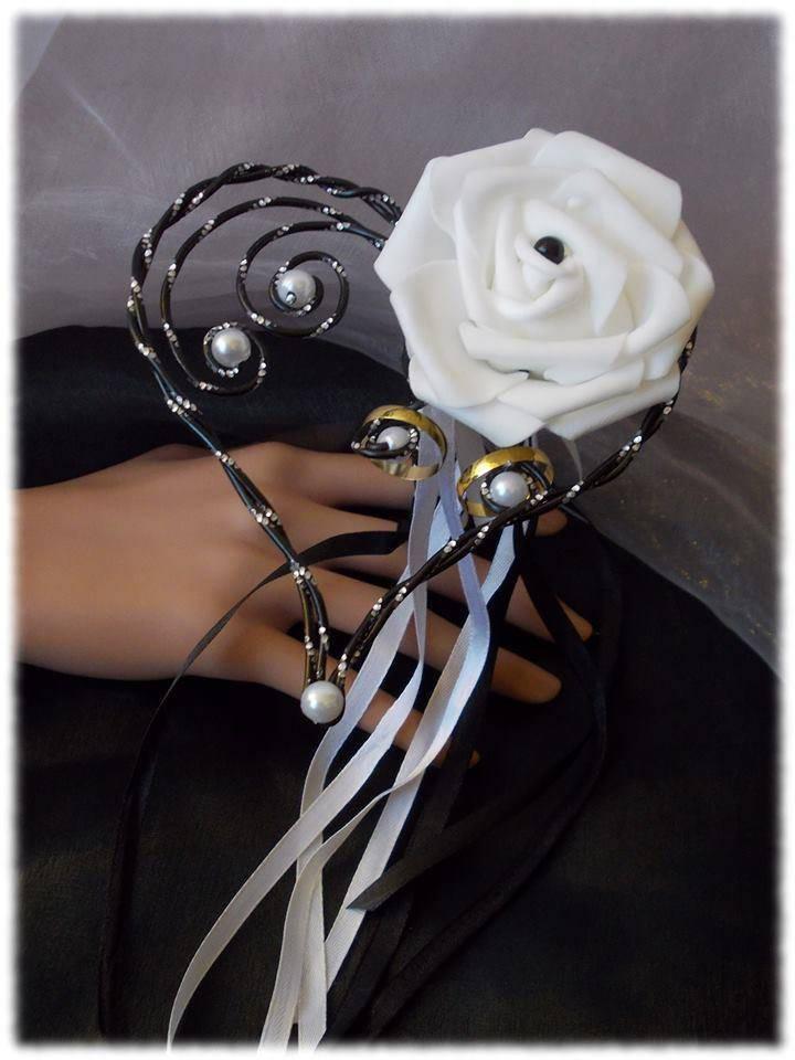 porte alliance rose blanche artificielle fil alu noir avec. Black Bedroom Furniture Sets. Home Design Ideas