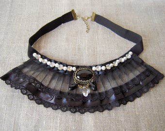 "Retro necklace ""Queen Louise"""