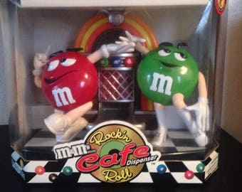 Collectible M&M's Rockin Roll Cafe Jukebox Candy Dispenser New In Box