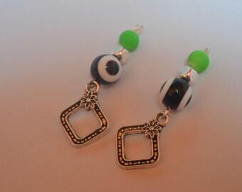 Set of 2 brackets pendants
