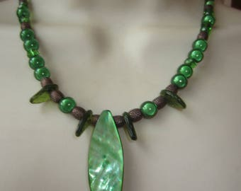 Green necklace with mother of Pearl pendant