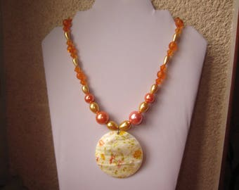 Orange pendant necklace mother of Pearl