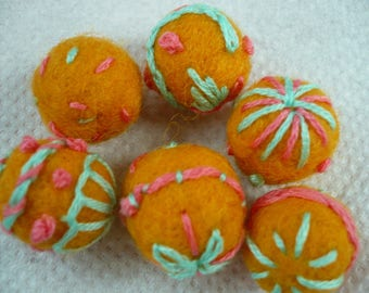 set of 6 beads from wool embroidered cotton, wool beads
