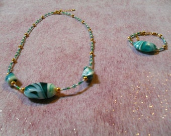 beautiful set, blue green class (necklace and bracelet)