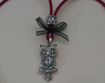 OWL pendant necklace, owl, rhinestones and organza bows. Plum