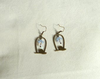 """Earrings in bronze """"birdcages"""" and small flowers"""