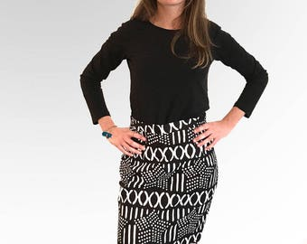 Ethnic pencil skirt in black and white wax