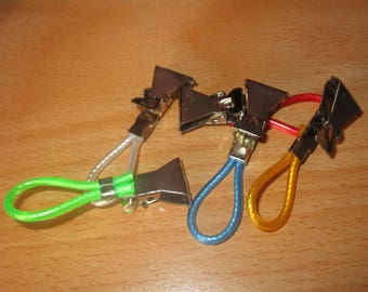 set of 5 string colors and metal clamps hooks