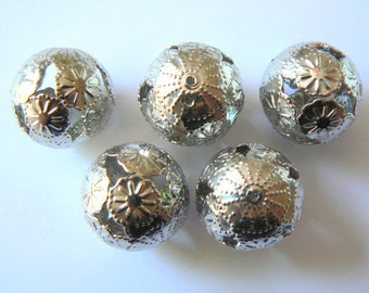 beads metal filigree flowers lot 20mm diam.