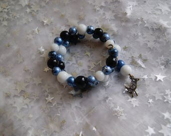 Bird and blue and white memory Wire Bracelet