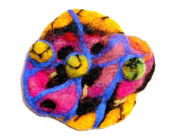 Brooch or piece for creating felted: Whippie!