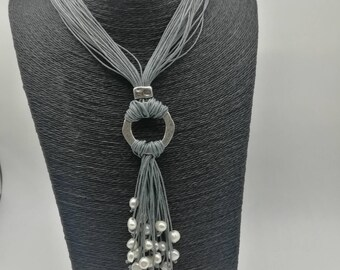 Long multi-thread necklace and river Pearls