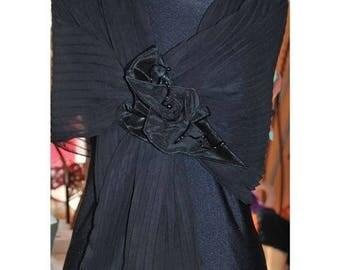 Black pleated organza brooch fabric shawl