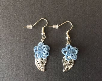 Lace tatted tatting, Blue Flower Earrings