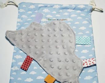 Doudou flat cloud soft display with tags