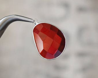 Faceted large BLOOD RED bezel set Charms pendants - 30x21x6mm (1190)