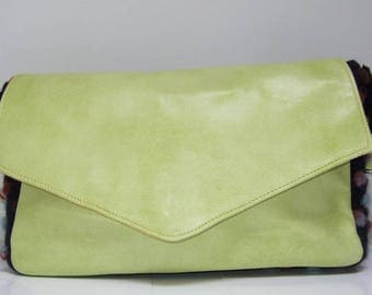 24 s - lime and dolled up wool leather bag