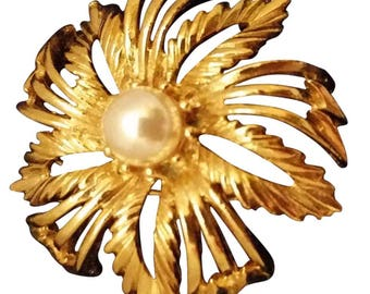 Lisner Gold Tone Faux Pearl Brooch