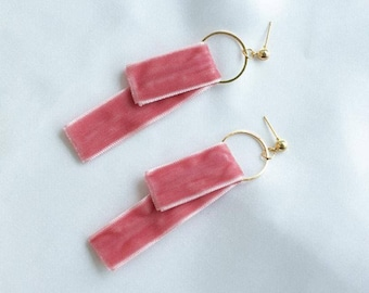 Circle earrings with velvet dropped