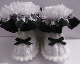 Chic baby girl (size 3 months) hand knit booties