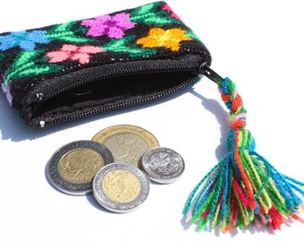 thread tseltal coinpurse / Maya embroidery