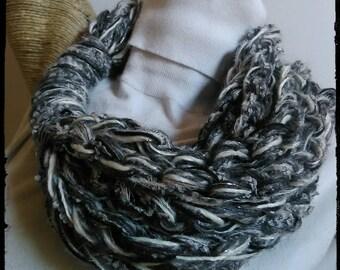 lurex Boucle wool neck warmer jewel necklace