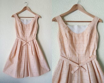 Late 1950's 1960's peach white patterned swing dress size 36 uk 8