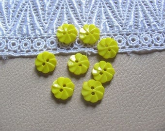8 buttons plastic yellow 12mm flowers