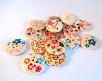 15 wooden - flowers - Scrapbook - embellishment - sewing buttons