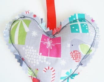 Small heating pad dry Christmas ornament - heart bird and gifts