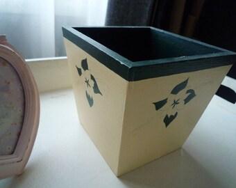 Flower pot painted wood ivory/green dark 10 * 10 cm