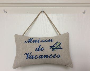 Embroidered door House cushion