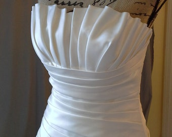 Original Pronovio Wedding Gown from Italy