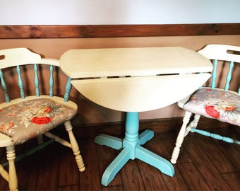 Vintage table and chair set- Very cute! New pads on chairs!