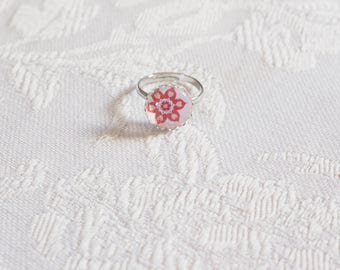 Child glass flower cabochon ring