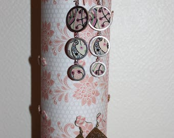 Tender pink jewelry holder